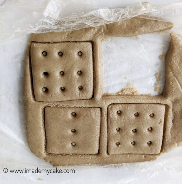 using cookie cutter to make shapes